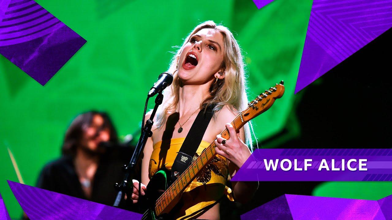 Wolf Alice - Smile (Radio 1's Big Weekend 2021)