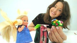 Видео для детей. Дочка Барби в школе. Веселая школа.