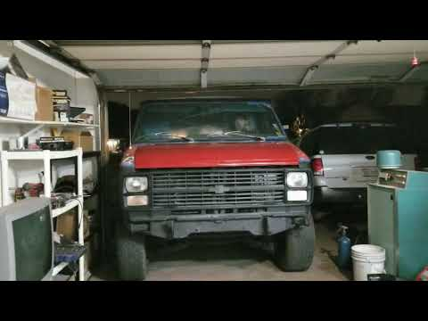 Bjoern's 1984 Chevy G30 Van Build-75 Days