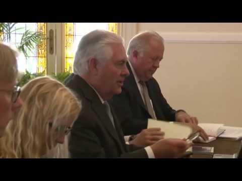 Secretary Tillerson Meets Japanese Foreign Minister Fumio Kishida