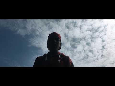 Hustensaft Flüchtling - Ich bin zurück (feat. Bruder Jakob & DJ RENA) [Musikvideo]