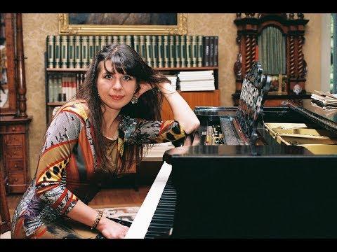 Anna Kravtchenko piano, Bayerische Rundfunk Chamber Orchestra Schostakovich Concerto n 1 LIVE