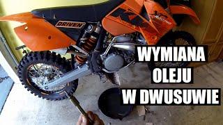 wymiana oleju w dwusuwie krok po kroku zmiana oleju w motocyklu z silnikiem 2t polski motovlog