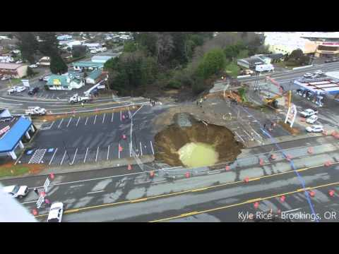Harbor Sinkhole/Slide Update 1/29/2016 #Oregonsinkhole