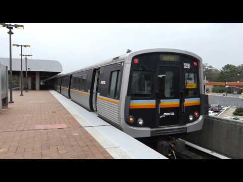 MARTA Transit: 1982/2002 FB/Breda CQ310/CQ312 Gold Line at Brookhaven/Oglethorpe Station
