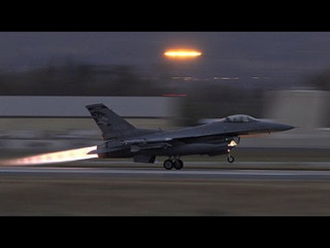 Powerful F-16 Afterburner Takeoff