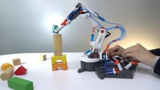 Hydraulic Robot Arm - Power at your fingertips without any battery !