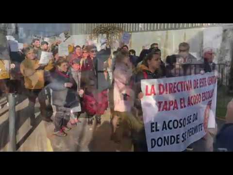Un caso de acoso escolar en Marín moviliza a un centenar de padres