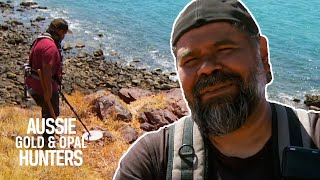 Marcus Disappears While Detecting Gold Near A Clifftop   Aussie Gold Hunters