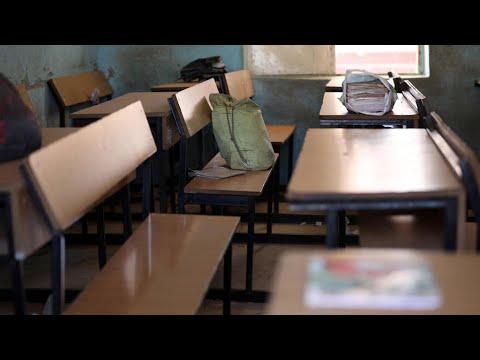 فيروس كورونا: تونس تغلق المدارس حتى 30 أبريل وتمنع استخدام السيارات بعد السابعة مساء  - 15:59-2021 / 4 / 18