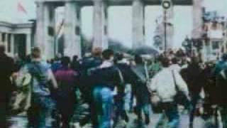 Падение Берлинской стены(Построенная в 1961 году Берлинская стена рухнула под натиском широкого демократического движения за объедин..., 2009-12-02T22:06:37.000Z)