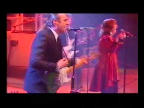 Status Quo All Around My hat Live (Feat Maddy Prior from Steeleye Span)