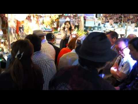 超満員の「朱鷺あかり歌唱キャンペ-ン」会場にて