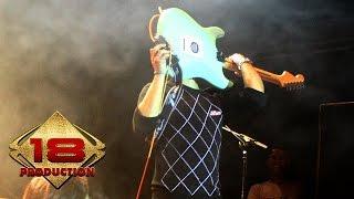 Ungu - Jika Itu Yang Terbaik   (Live Konser Bontang Kaltim 12 Juli 2006)