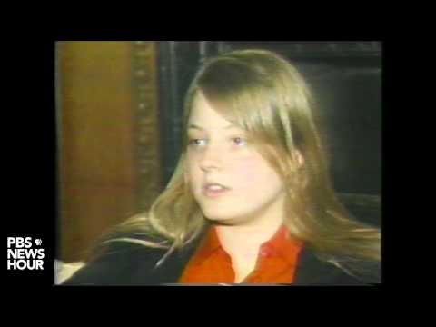 Actress Jodi Foster talks about letters sent to her by John Hinckley Jr. in 1981