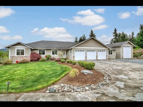 Shop With Living Quarters Garage Apartment Lakefront On Wide Deep Cove Chipm