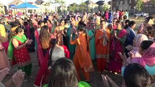 Punjabi Canada girl student life and Fun || Punjabi boliyan in canadian Piknik || parmjeet Bhakna