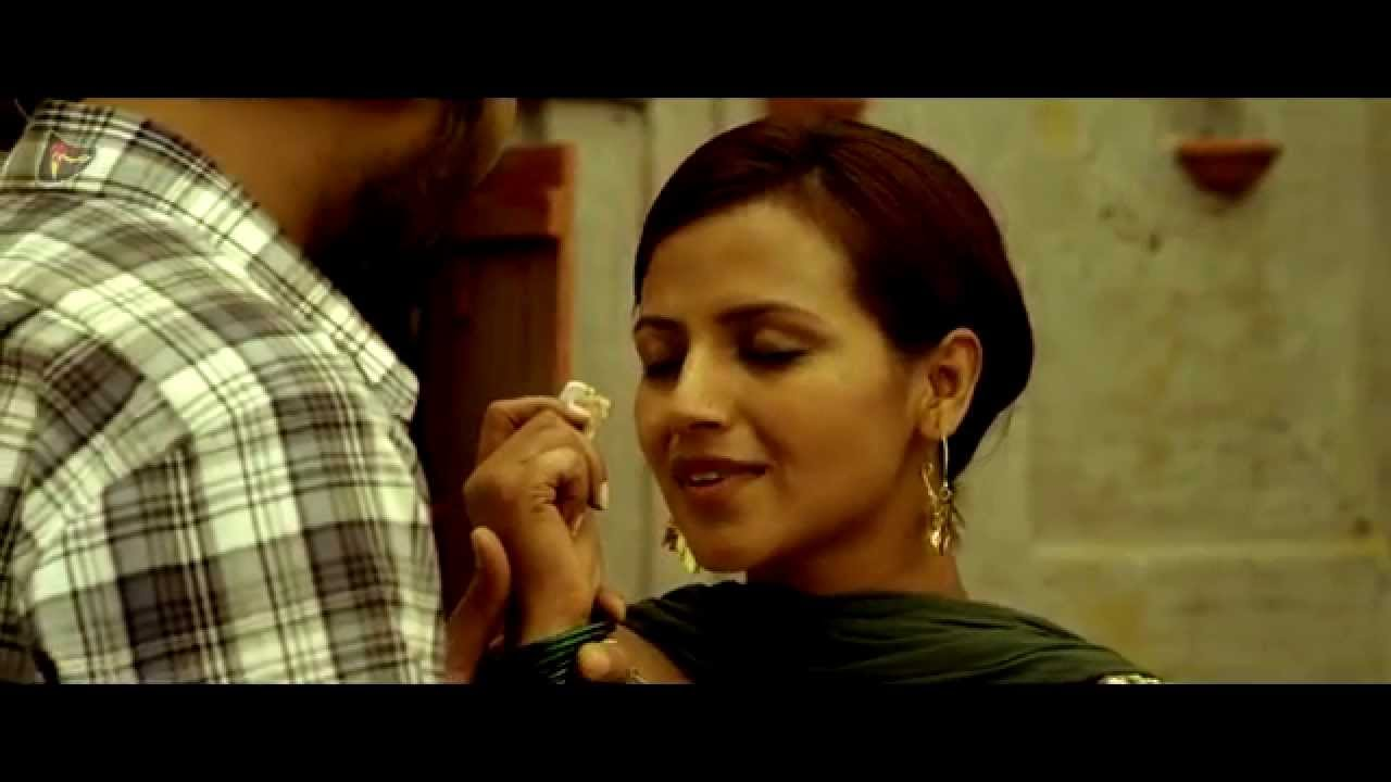 Wandd  Romantic Scene  Popular Punjabi Movie 2014 -3906