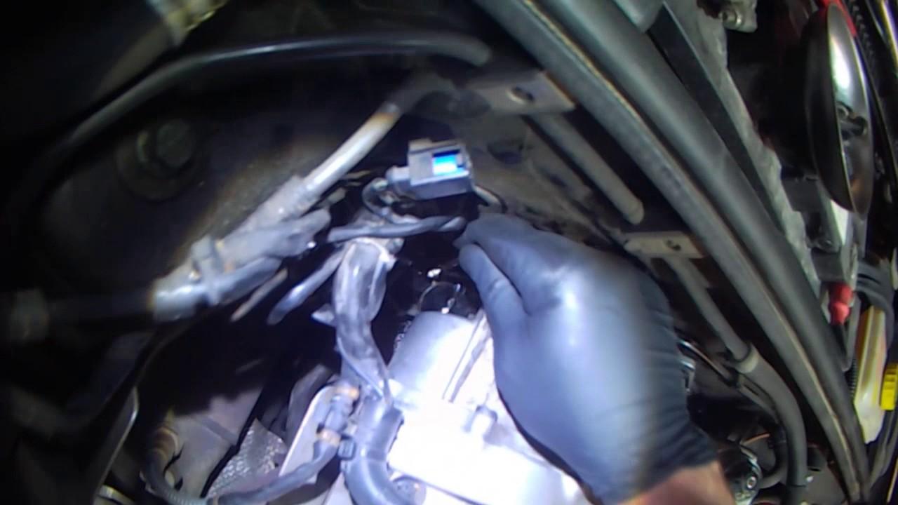 Audi B7: 2 0LT Vacuum Pump removal