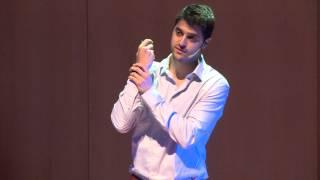 Uma motivação, uma solução, uma empresa: Virgílio Bento at TEDxAveiro