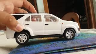 Centy fortuner toy car