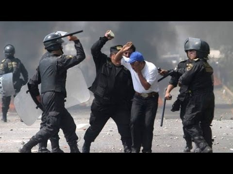 Mexico City Police Violently Crackdown on Occupying Teachers