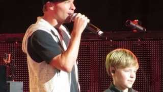 Brian Littrell Introducing His Son Baylee As Surprise Opening Act For Backstreet Boys