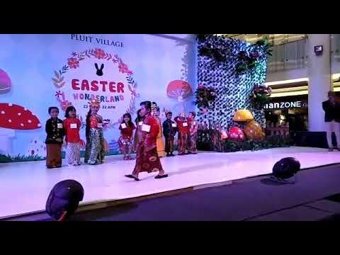 Fashion show dlm rangka hari Kartini... TK Tut Wuri Handayani, penjaringan Jakarta Utara