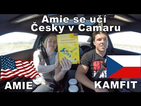 Američanka se učí Česky v Camaru.