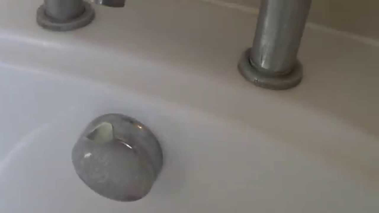 How to fix a twist handle bath plug mechanism - YouTube