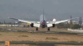 Spotting a Qatar airways landing in Manila Ninoy Aquino International Airport (MNL)