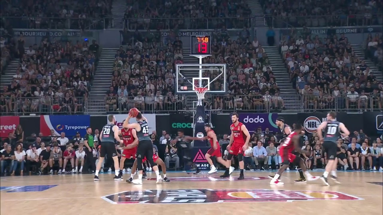 Basketball Hoop Perth Casper Ware With 18 Points Vs Perth Wildcats