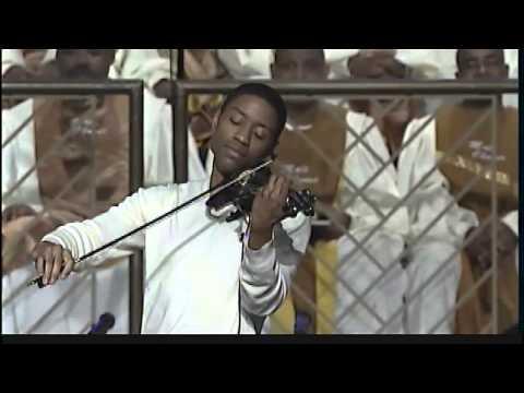 Violinist Daniel Davis aka