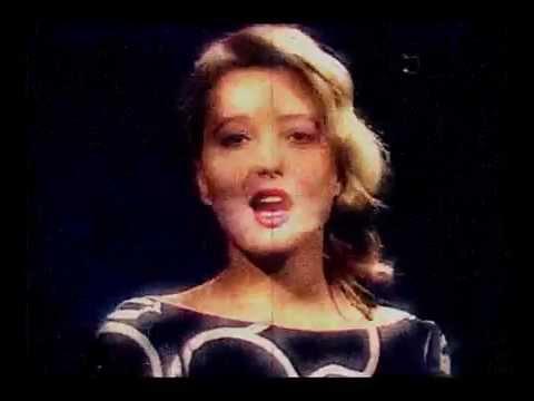 Pauline Lafont - M'Oublie Pas