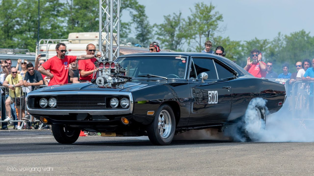 Dodge Challenger Antigo V8 >> Fast And Furious' 1970 Dodge Charger R/T - Drag Race! - YouTube