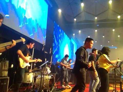 SFC ICON 2016 Unstoppable - Praisefest