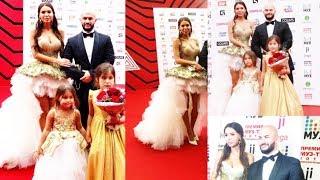 Джиган и Оксана Самойлова с дочками на Премии «Муз Тв 2018 Трансформация»