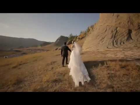 Singapore pair of amazing wedding photo in mongolia