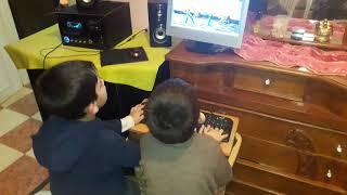 شاهد كيف يتعامل اطفال اليوم مع الحاسوب