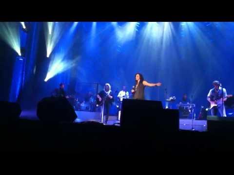 Martina McBride - Happy Girl - Stockton CA
