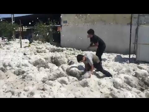 fee49aed1 بالفيديو.. هطول الثلج في أحد أيام الصيف الحارة بالمكسيك - بوابة الشروق