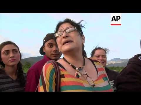 Venezuelans cross to Colombia to shop for food