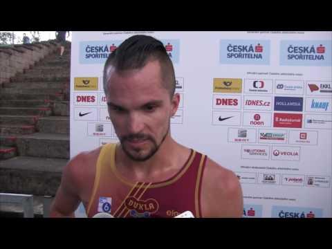 Jakub Holuša po zisku titulu na 5000 m