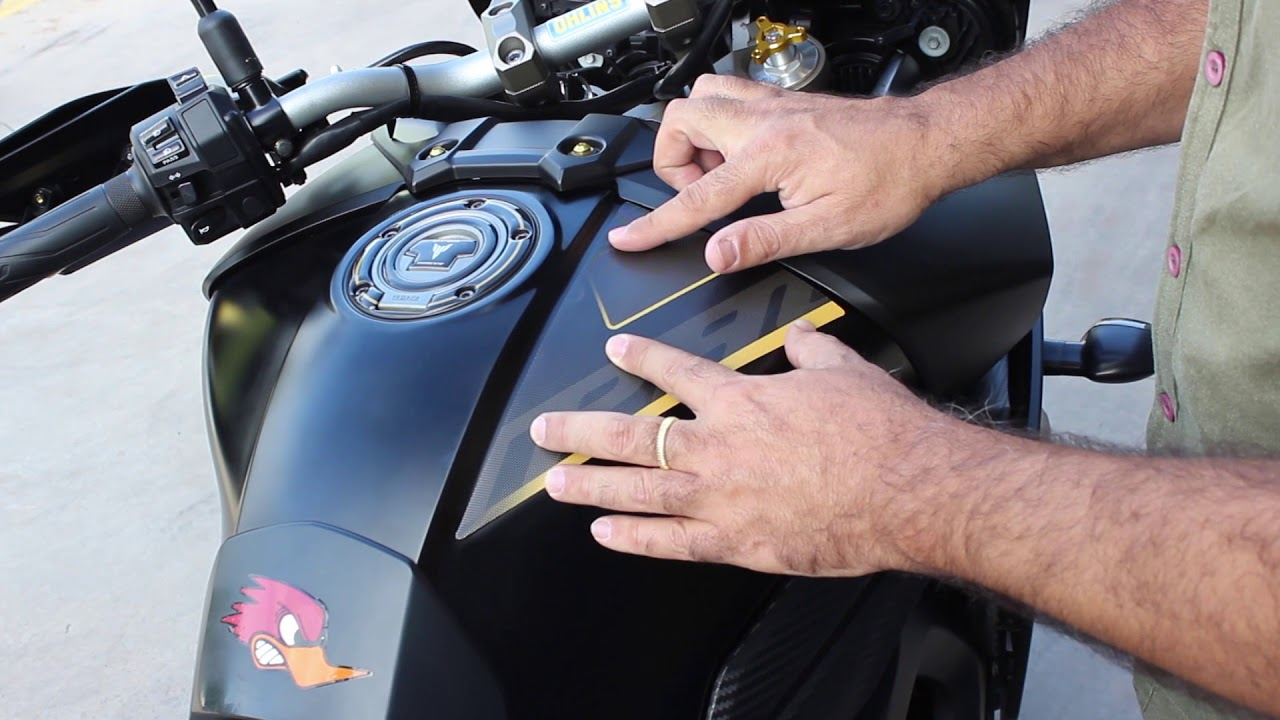 How To Place A Sticker Yamaha Mt09 Tracer