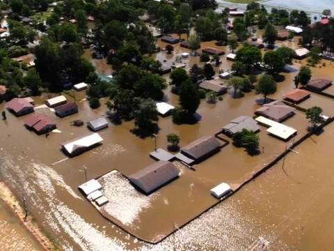 Raw: Arkansas National Guard Sent to Flood Zone