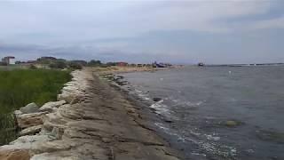 Море и камни у Заводского пляжа, Избербаш, июнь 2019 | Каспийское море, Дагестан
