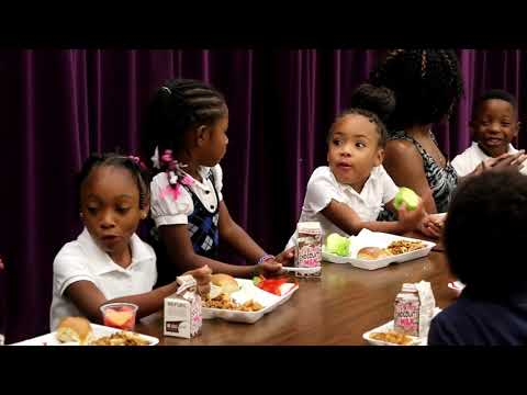 Oklahoma City school district expanding meal options for students (2014-08-30)