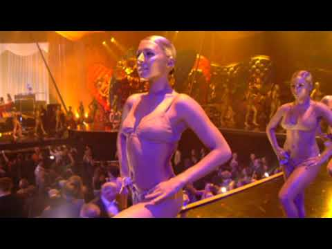 Kanye West - Gold Digger and Touch The Sky (Brit Awards Performance)