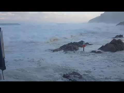 Big waves at Mossel Bay Point