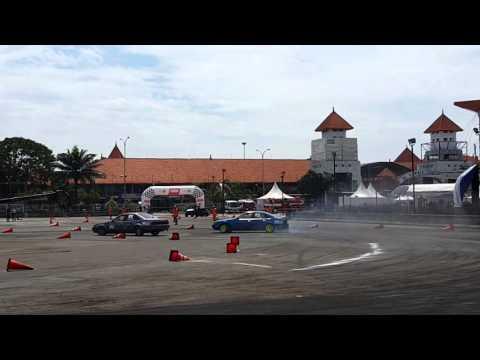 Ajang Drift IIMS(Indonesia International Motor Show)2016 JIEXPO Kemayoran Jakarta